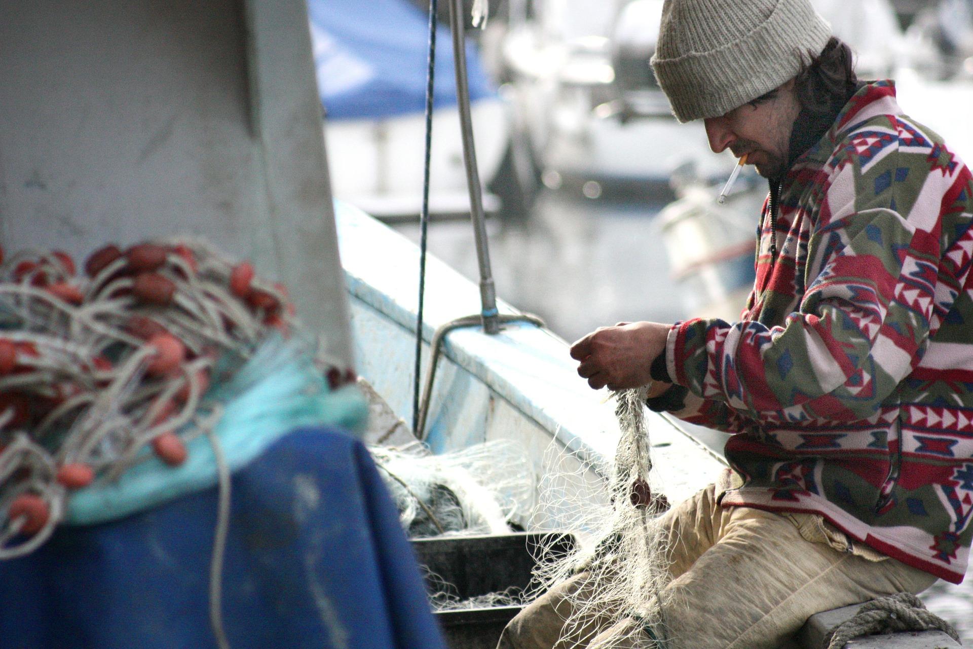 fisherman-449280_1920