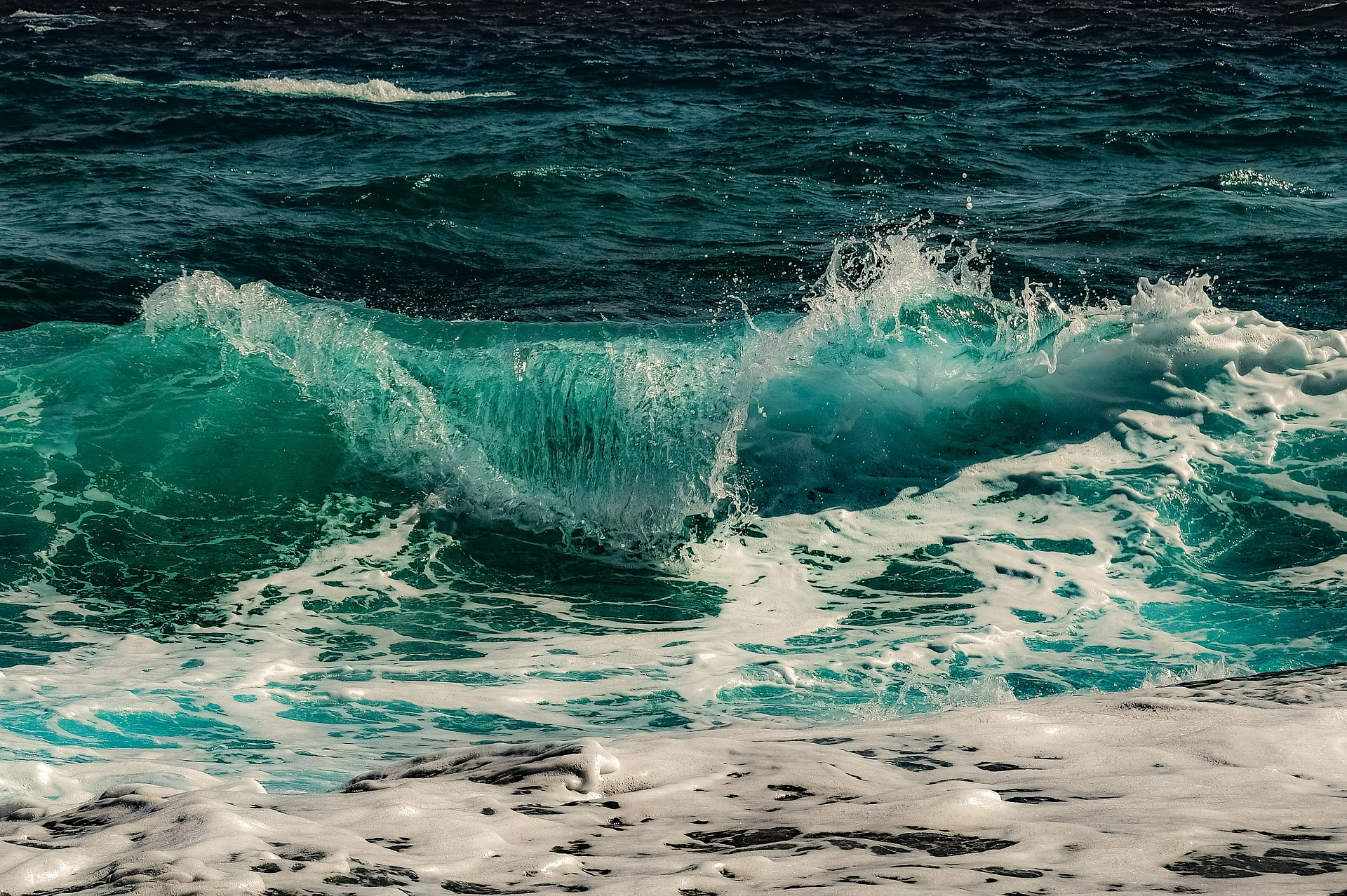 surf-3450584_1920